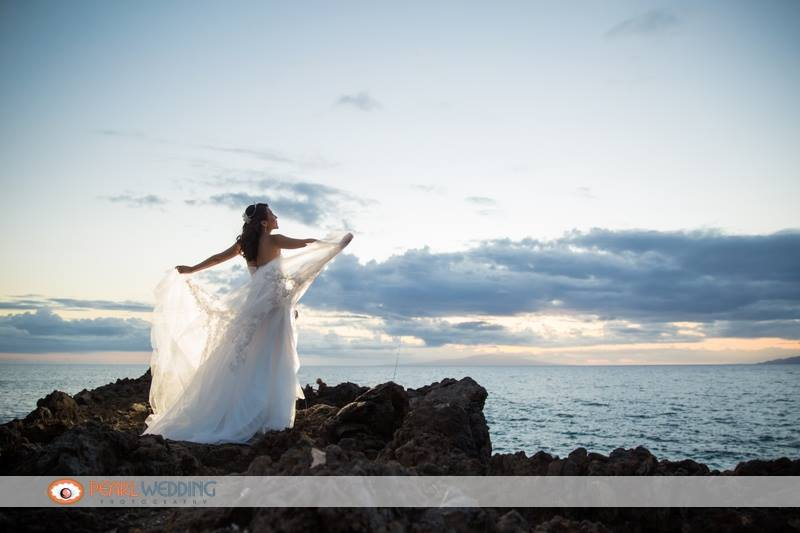 Bright and Beautiful Maui Wedding at the Kukahiko Estate