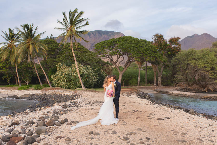 Luxury Lavender + Gold Wedding at the Olowalu Plantation House