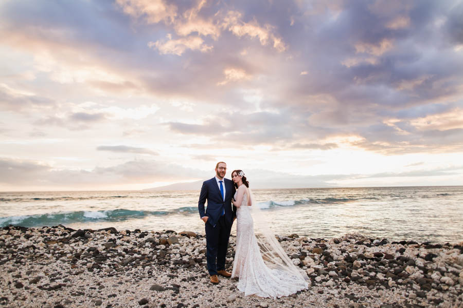 Lush Tropical Elopement at the Olowalu Plantation House